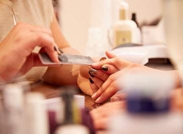Q61 Nail Bar and Beauty Studio Leeds